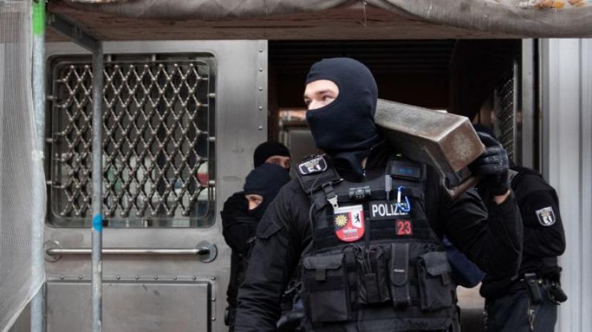 Spari a Berlino, tre persone ferite gravemente