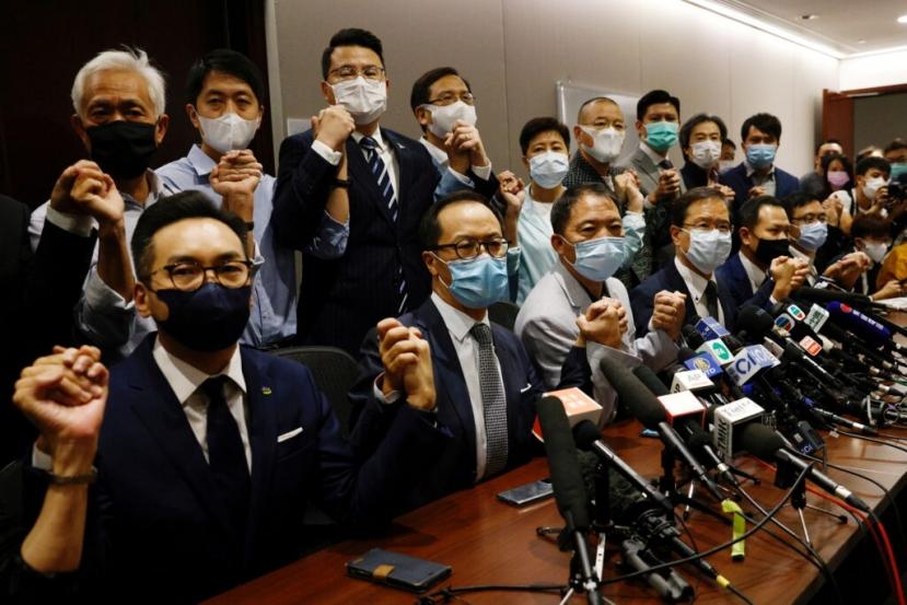 Hong Kong: Pechino caccia 4 deputati pro-democrazia