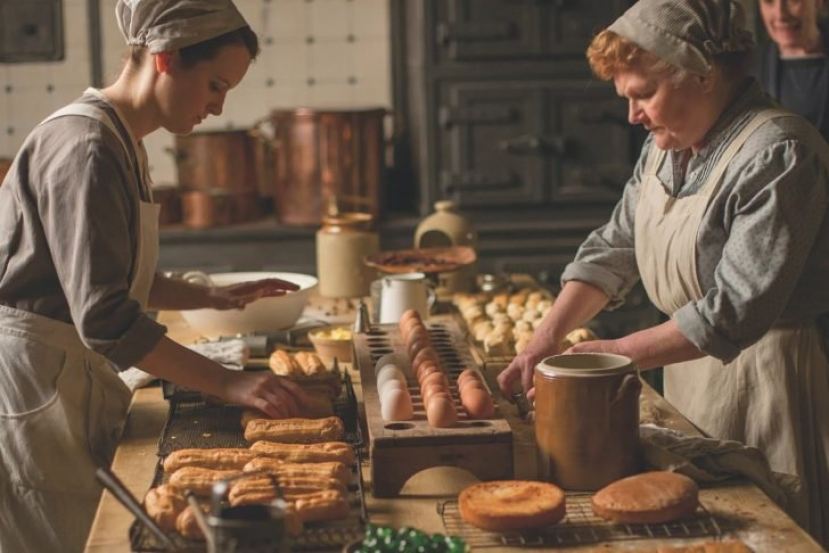 Dalla serie televisiva Downton Abbey di Amazon Prime Video, un cooking book dal sapore vittoriano